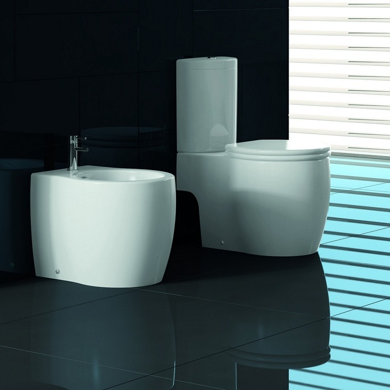 Set WC compact e bidet filomuro con sedile termoindurente soft close kamalubagno outlet
