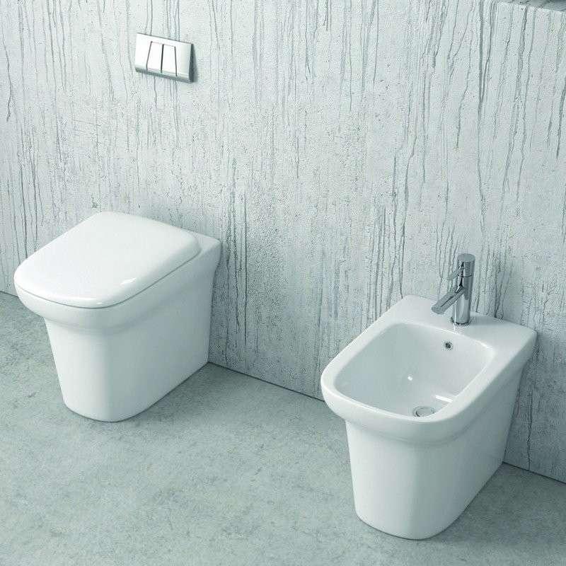 Vaso e bidet filomuro ceramica sistema soft-close modello Elas-101