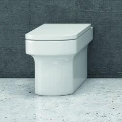 WC filomuro con sedile Termoindurente e soft-close Linea Alix